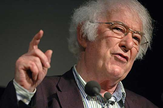 http://www.cprw.com/wp-content/uploads/2011/01/seamus-heaney.jpg